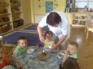 Györgyi néni ebédeltet 2011